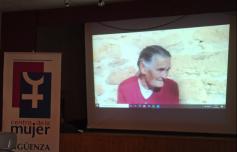 El Centro de la Mujer proyecta un documental sobre las mujeres rurales de la comarca de Molina en Mandayona